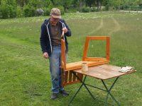 Bank streichen, Hilfseinsatz von Bienenpate Peter Kaimer