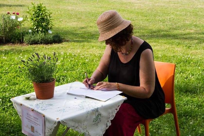 """Signierstunde mit der Autorin Dr.Elke Puchtler (""""Lavendelschätze"""")"""