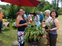 Garten- und Rosenspezialistin Jeannette Frank und Kreisfachberaterin Alexandra Klemisch zur Rosen- und Staudenmesse