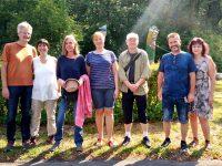 Gruppenbild zur Honigernte Buger Wiesen