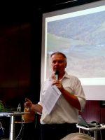 Vortragender Klaus Körber zu Bienenbäume der Zukunft