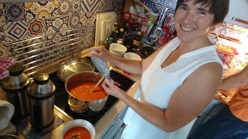 Nach der Ernte und vor der Honigverarbeitung unsere traditionelle Gazpacho.