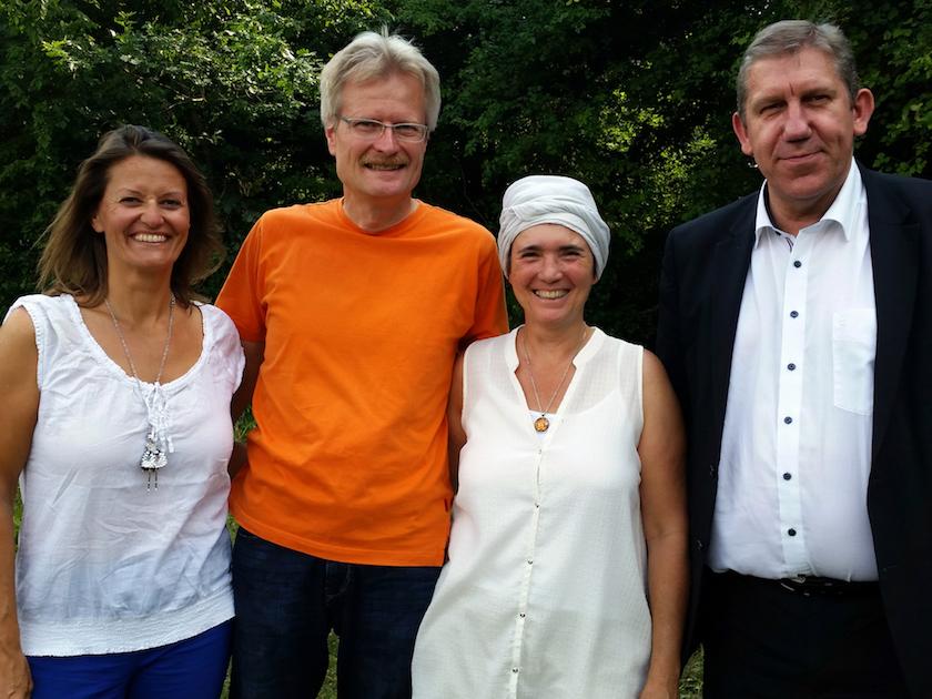 Bienenpatin Felicitas Sauer, Reinhold Burger, Ilona Munique und MdB Andreas Schwarz.