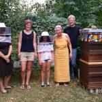 Gruppenbild zur Honigernte