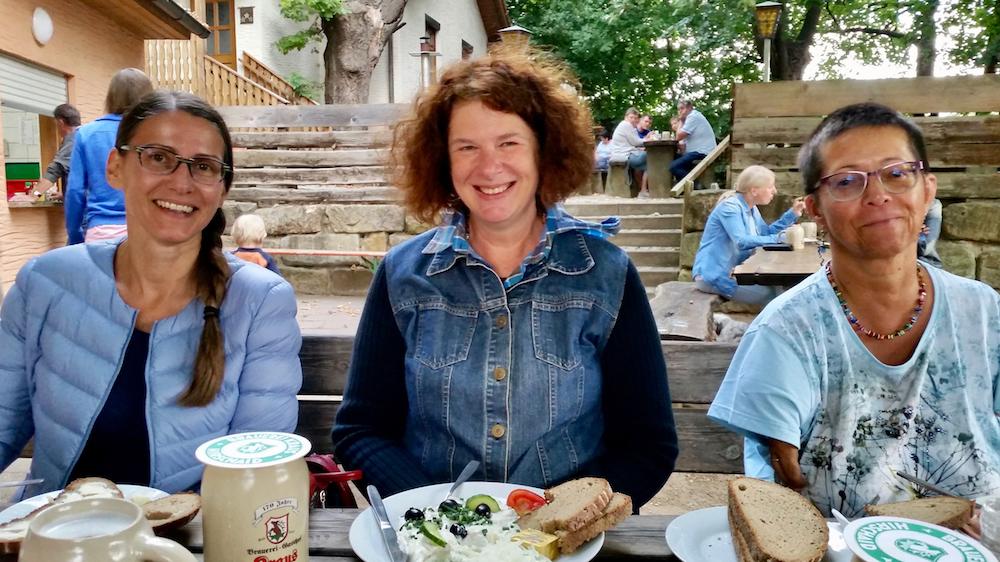 Kellerbesuch mit Jeannette Frank, Elke Puchtler, Anne Zirkel