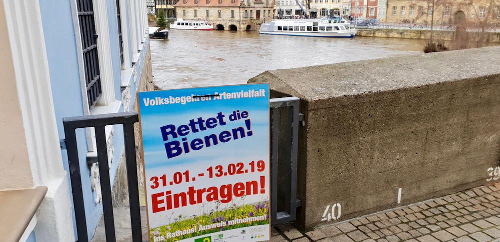 """Plakatierung zum Volksbegehren """"Rettet die Bienen!"""""""