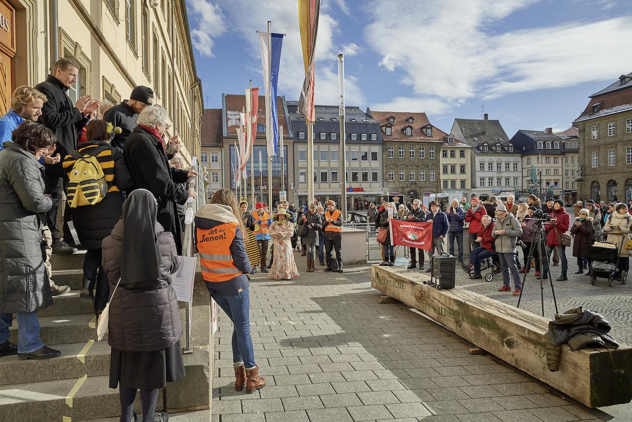 Besucher der Auftaktveranstaltung zum Volksbegehren