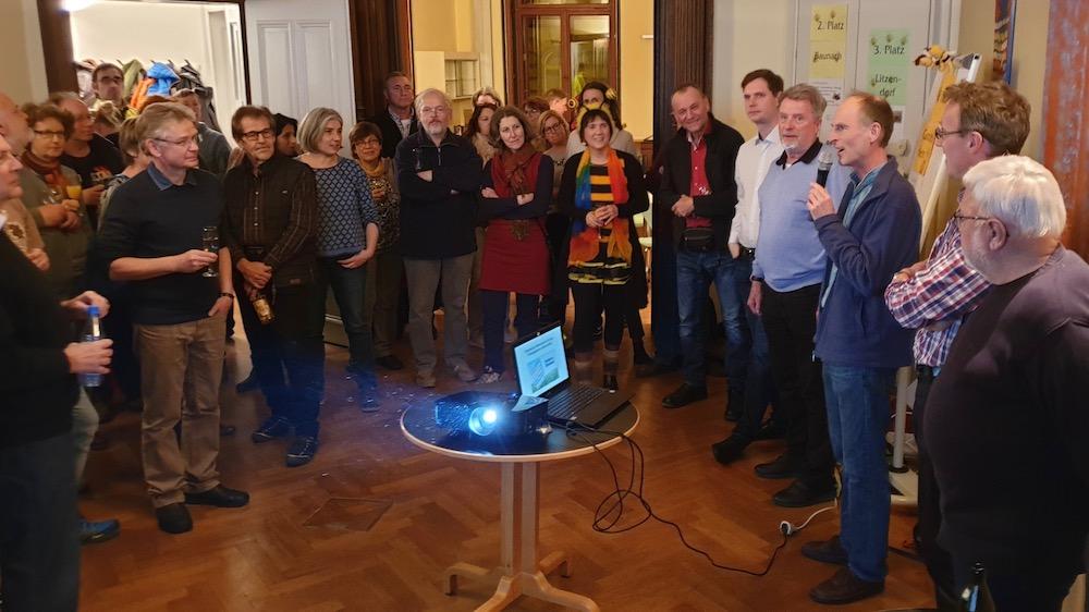 Aktive feiern den Sieg des Volksbegehrens Artenvielfalt (in Bamberg)
