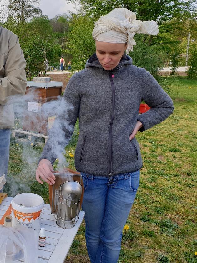Emily entfacht Smoker