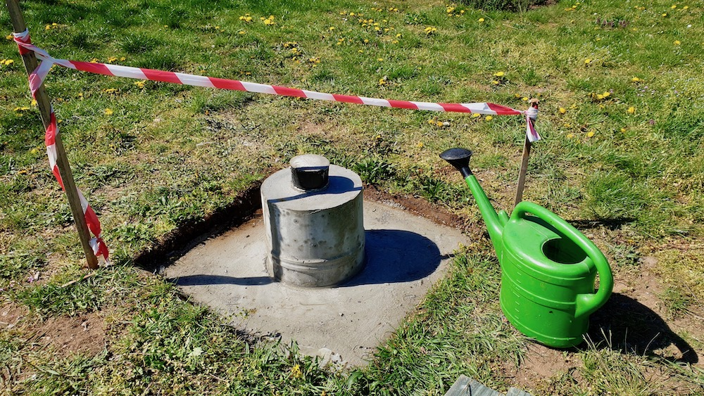 Brunnenfundament feucht halten