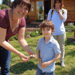 Kleine Gäste zur Saisoneröffnung mit Ostereigeschenk