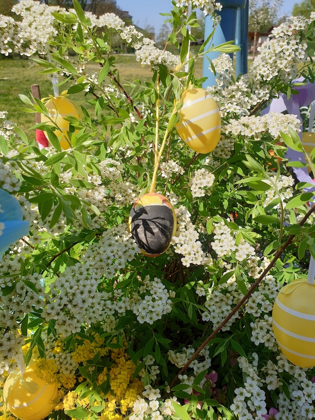 Osterei mit Biene, Geschenk anlässlich der Saisoneröffnung der Bienen-InfoWabe am 21.04.2019