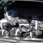 Kofferraumbeladung mit dem Seuchenguts