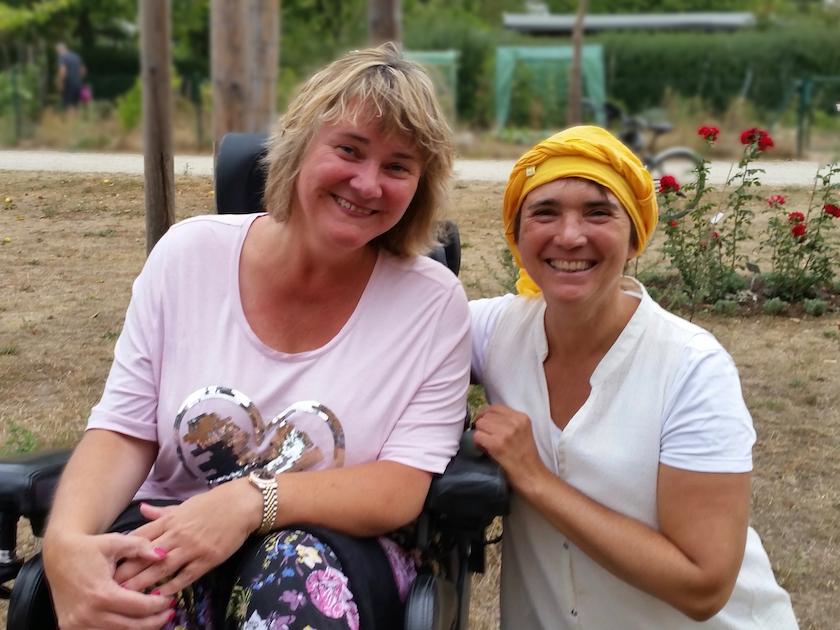 Bienenpatin Sabine Saam zu Besuch an der Bienen-InfoWabe
