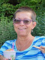 Bienenpatin Anne Zirkel zu Gast im Bienengarten