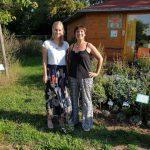 Bienenpatin Marlene Holzner zu Gast im Bienengarten