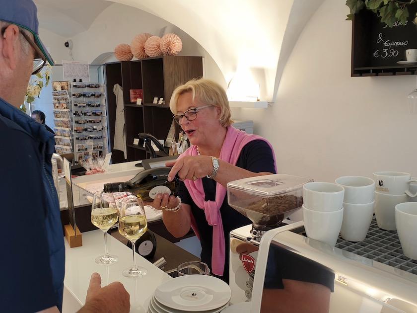 Elli Bopp im Stiftsladen Michelsberg