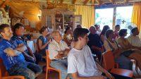 Teilnehmende des Anfängerkurses und Gäste zum Vortrag Wachsverarbeitung von Reinhold Burger