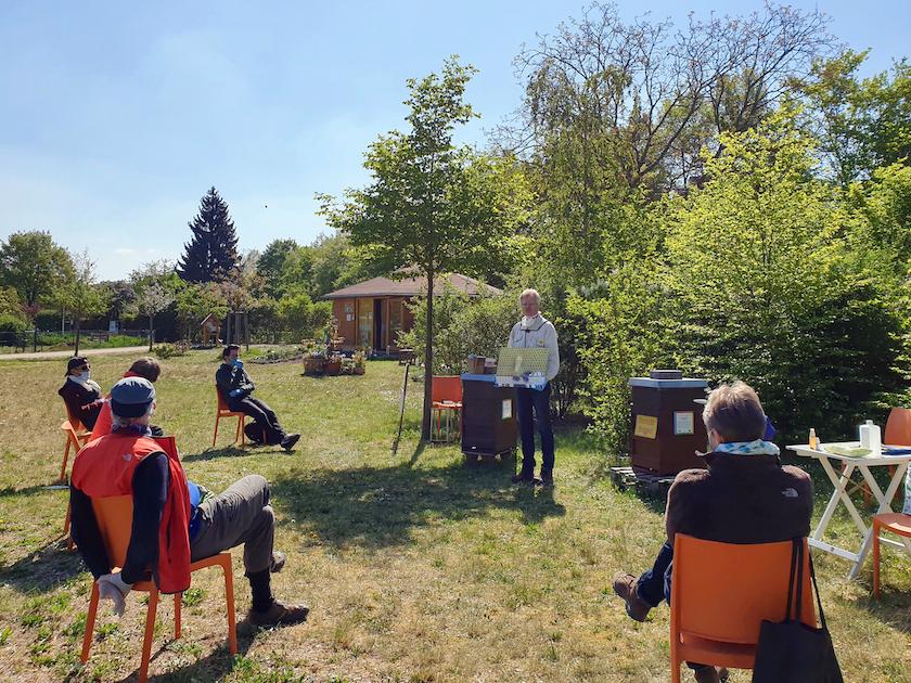 """Imkerkurs für Anfänger, Gruppe 1 am Lehrbienenstand """"Bienenweg"""""""
