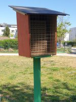 Wildbienen-Nisthilfe im Bamberger Bienengarten