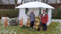 Gabi und Ilona am Stand des Honigadventsmarkts