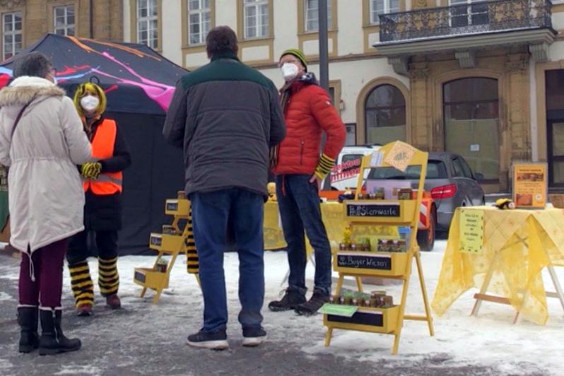 Besucher am Honigmarkt Bamberg, Faschingsdienstag 2021